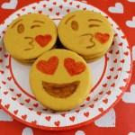 Emoji Valentine Treats (Emoji Moon Pies)