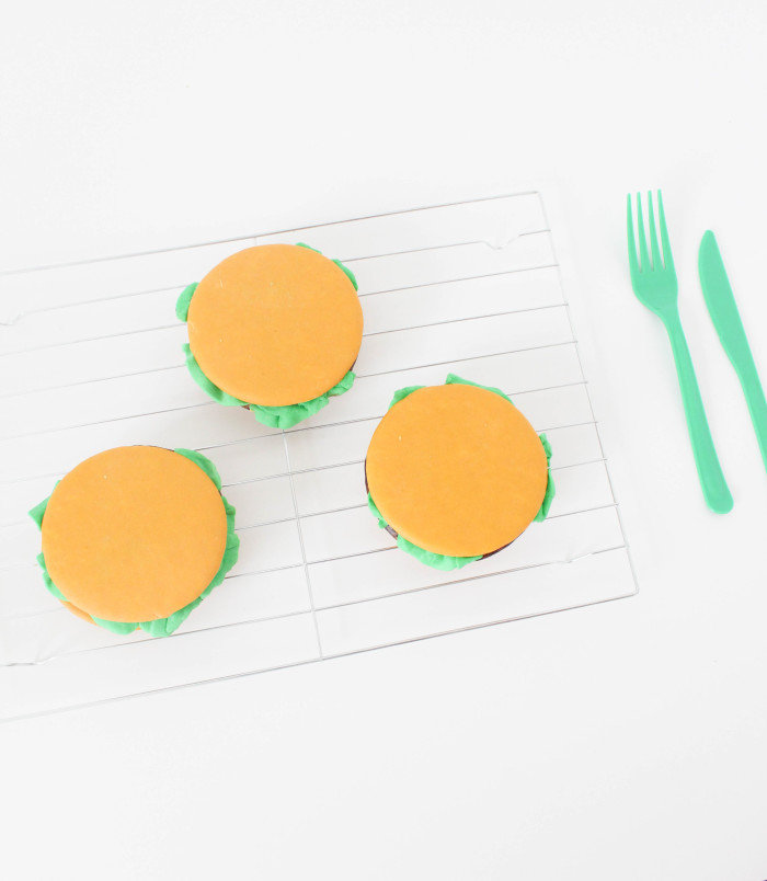 moon pie cheeseburgers for bbqs, father's day or any summer get together! | A Joyful Riot-37