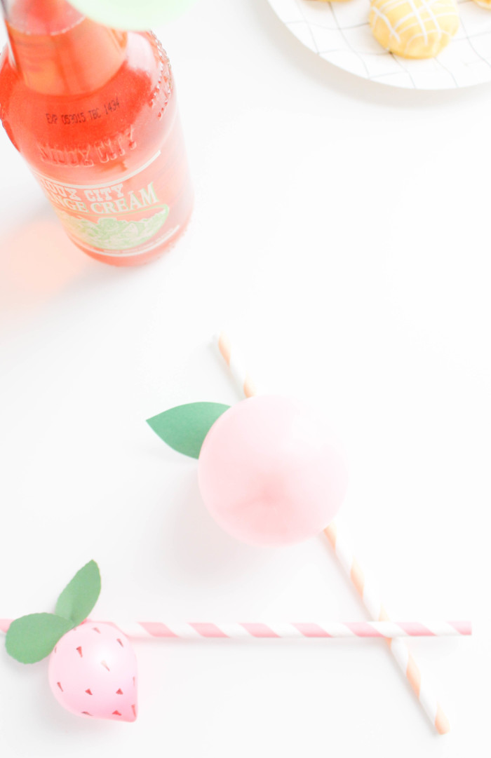 Sweet and colorful fruit balloon straws for your summer parties! Lemons, limes, pineapples, strawberries, cherries, peach, orange, grapes, blueberries! via A Joyful Riot-7
