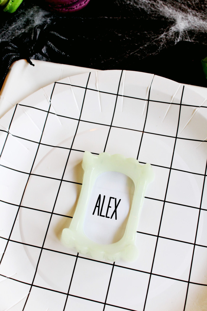 Clever little vampire teeth placecards via ajoyfulriot.com @ajoyfulriot