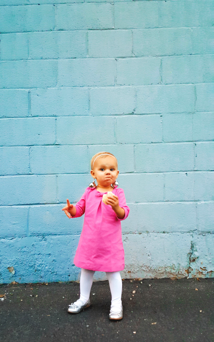 Toddler Twiggy costume, perfect for your lttle ones with a baby amound of hair ajoyfulriot.com @ajoyfulriot-23