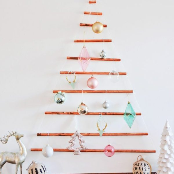 DIY Wall-Mounted Copper Pipe Christmas Tree