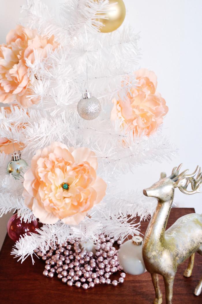 Simple peony ornaments make a big impact! via ajoyfulriot.com @ajoyfulriot