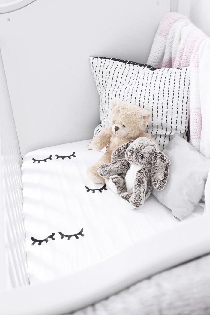 Black, white, pink nursery via ajoyfulriot.com @ajoyfulriot 4