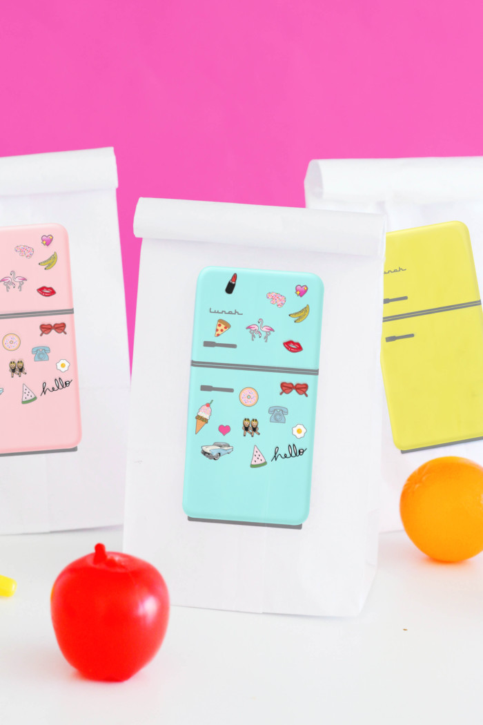 Print your own custom lunchbags with these adorable vintage fridge printables via ajoyfullriot.com
