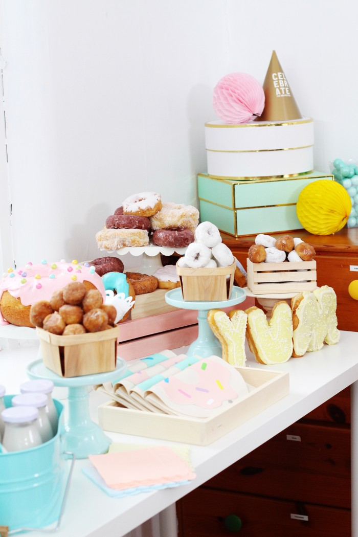 giant donut cake pan instructions