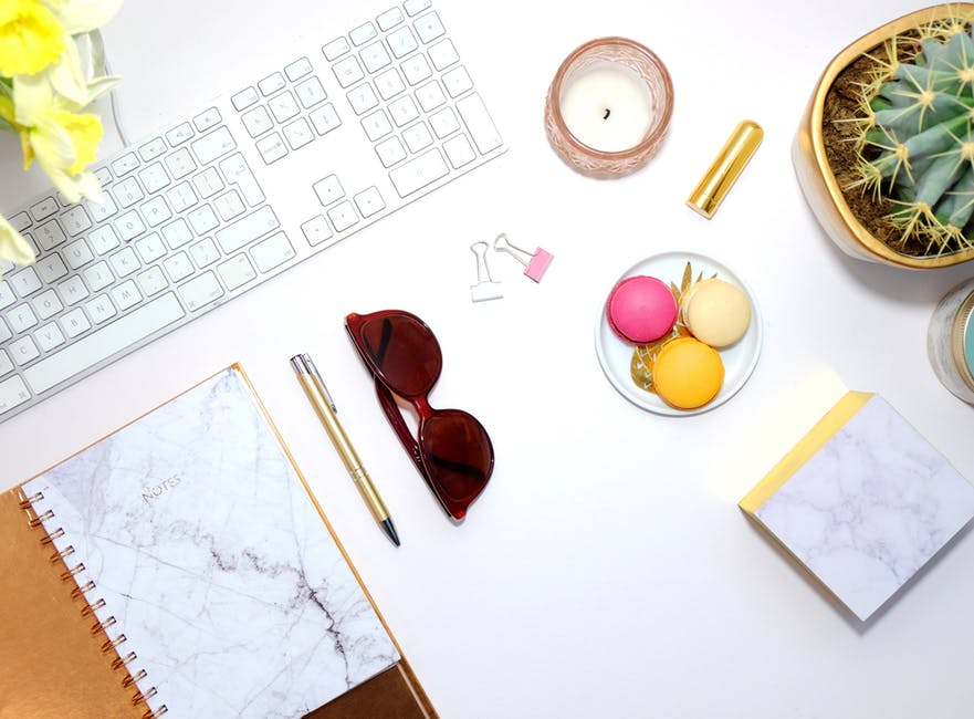 Sponsored posts are one of the many ways that bloggers make money from blogging. Often, bloggers struggle with how much one should charge for a sponsored post.