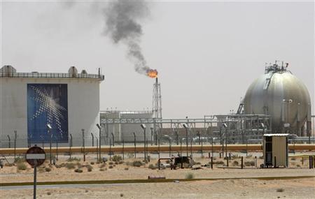 السعودية تخفض سعرالبترول الخام الخفيف لآسيا
