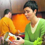 قراءة المعلومات على أغلف الأطعمة تجعلك أنحف ب 4 كغم من غيرك