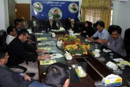 النجف : ورشة نقاشية لأعضاء البرلمان مع النقابات المهنية في المحافظة