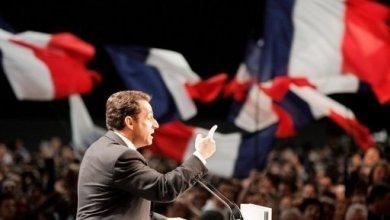 صورة ساركوزي يدلي بافادته في قضية بيتانكور امام القضاء