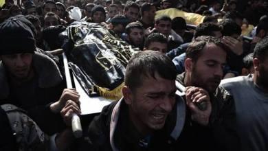 صورة جماهير غزة تشيع جثماني الشهيدين أحمد ومحمد الزعانين