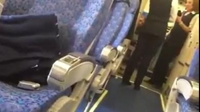 صورة بالفيديو :المضيفات وخاطف الطائرة المصرية وكواليس السيلفي ..