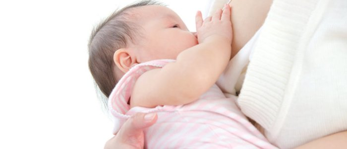 دراسة: حليب الأم يساعد على مكافحة حساسية الطعام