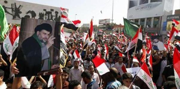 """""""نيويورك تايمز"""": مقتدى الصدر بات رمزاً للإصلاحات في العراق"""