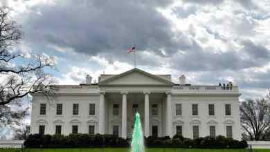صورة موجة سخرية بعد خطأ للبيت الأبيض بكتابة اسم الولايات المتحدة
