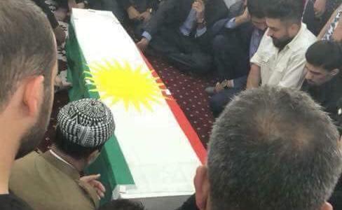 الراحل لف بعلم كردستان…تشييع جثمان اللواء برواري الى مثواه الاخير