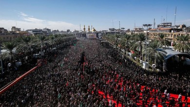 صورة كربلاء تغص بجموع المعزين بذكرى عاشوراء بمشاركة 40 الف زائر اجنبي