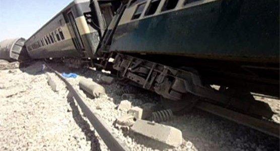 قتلى وجرحى بتفجير سكة قطار في باكستان