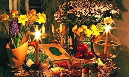 """إيران تحتفل بالـ""""النوروز"""" التراثي وإطلالة الربيع"""