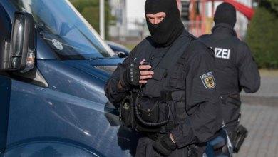"""صورة اعتقال عشرة متطرفين اسلاميين كانوا يخططون لقتل """"أكبر عدد ممكن من الكفار"""""""