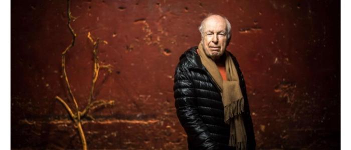 بيتر  بروك يفوز بجائزة أستورياس لأفضل مخرج مسرحي في القرن العشرين