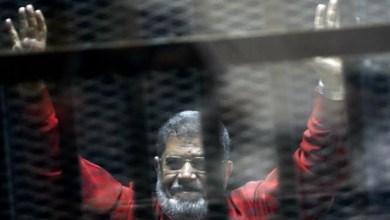 صورة وسط تكتم كبير، دفن مرسي فجرا بالقاهرة بحضور أفراد من عائلته فقط