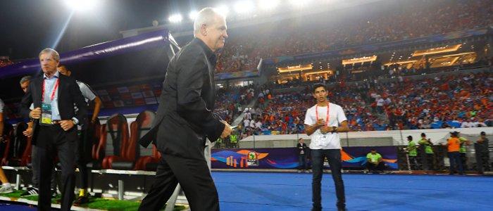 إقالة الجهاز الفني للمنتخب المصري واستقالة اتحاد الكرة