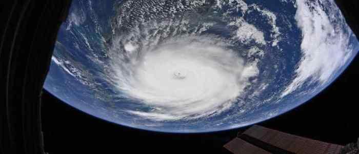 """صور مذهلة من """"ناسا"""" تعرض صورا مذهلة  للإعصار دوريان من الفضاء"""