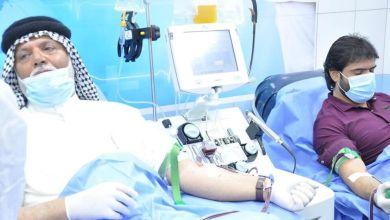 صورة الصحة تباشر بتطبيق بروتوكول علاجي لمصابي كورونا بتقنية نقل البلازما