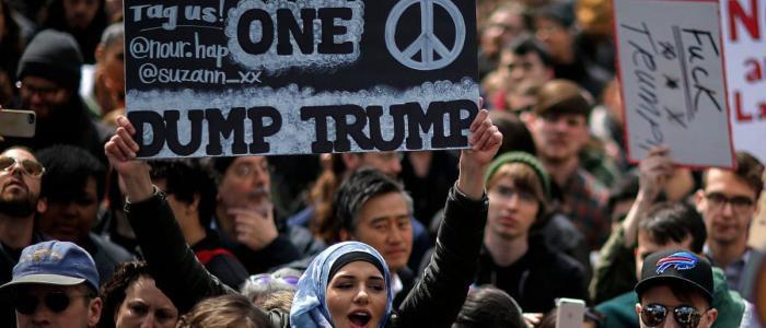 الإندبندنت: ترامب أعلن الحرب على الشعب الأمريكي