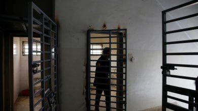 """صورة مرصد يحذر من كارثة في العراق : """"سجون سرية وبيئة خصبة للأمراض"""""""