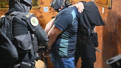 صورة توقيف ضابط يدير صفحات تواصل تسيء لقادة وزارة الدفاع