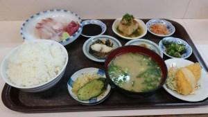【大分グルメ】市場での朝食は最高!いのうえ食堂で朝から刺身定食