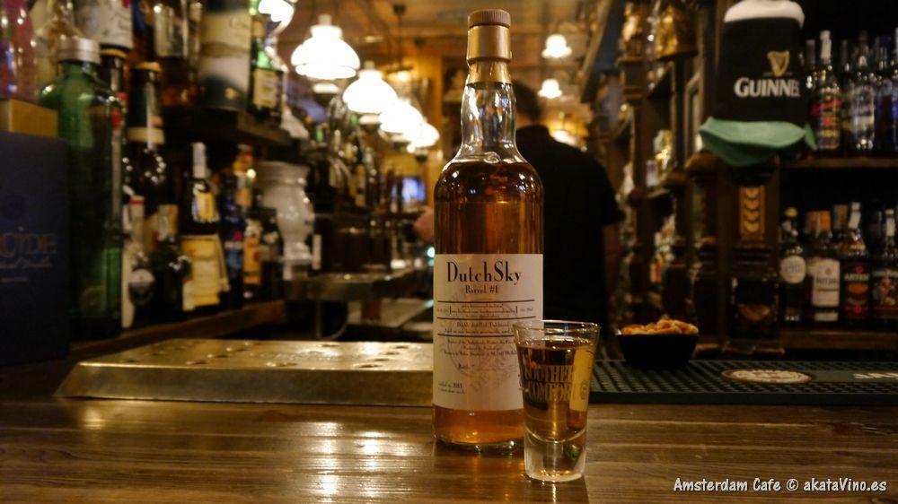 Momentos Amsterdam Cafe Cervezas Whisky Puro © akataVino 2
