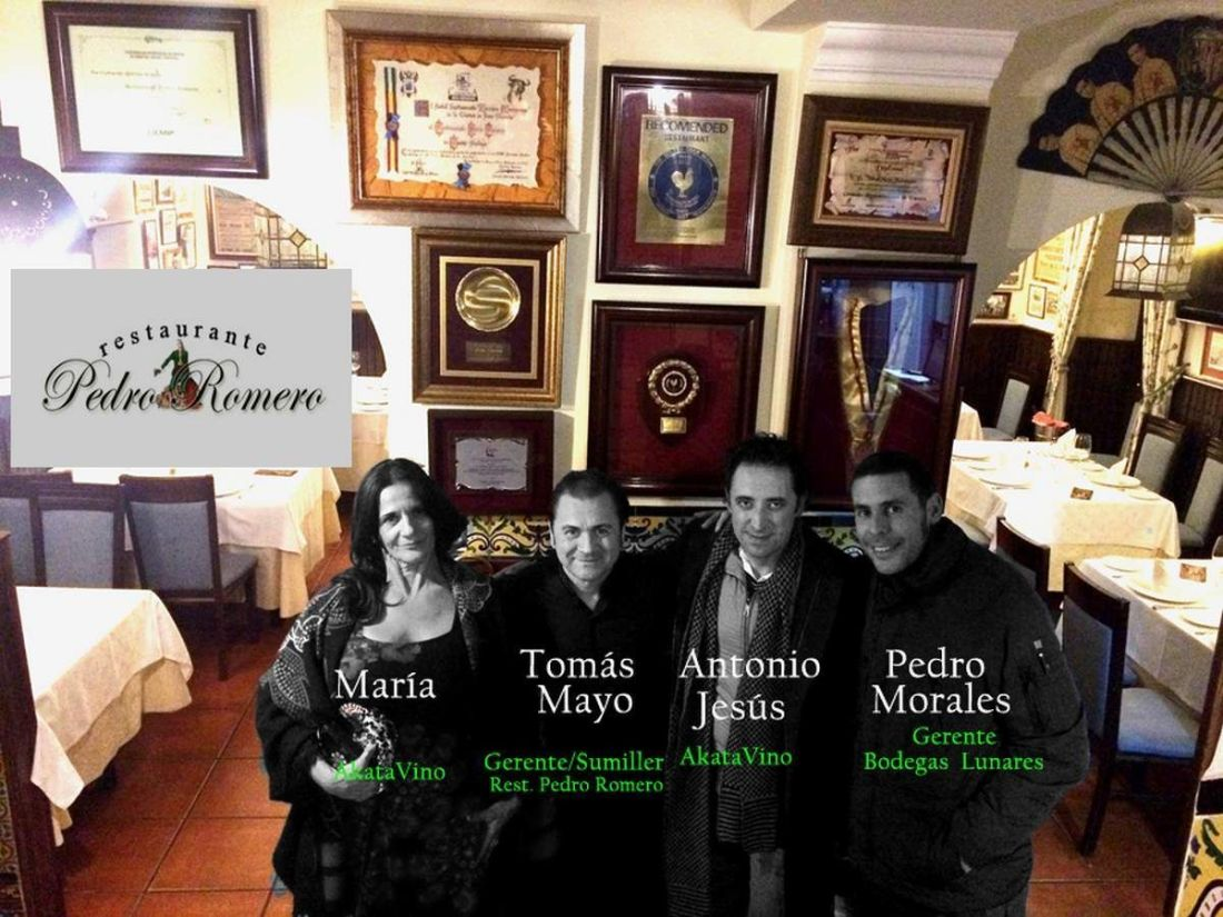 Fotografía izq. a dcha. (María Nvarro -AkataVino-, Tomás Mayo -Rest. Pedro Romero- Pedro Morales -Bodegas Lunares-, Antonio Jesús Pérez -AkataVino-).