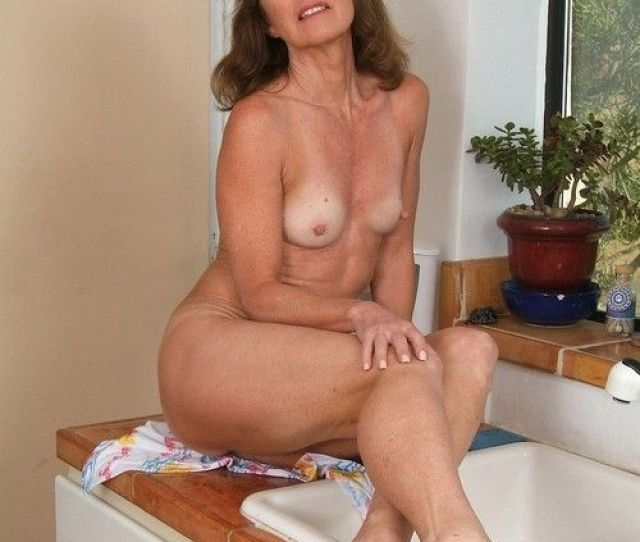 Mature Porn Nude Pussy Girl