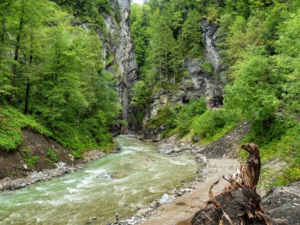 Caves to the Partnachklamm