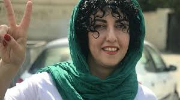 Bildergebnis für تصاویر نرگس محمدی زندانی سیاسی