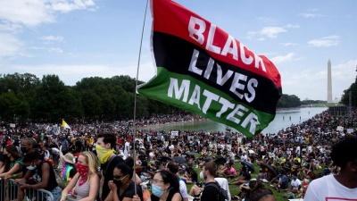 """زندگی سیاهان """"زانوهایتان را از روی گلوی ما بردارید""""- مصطفی دانش"""