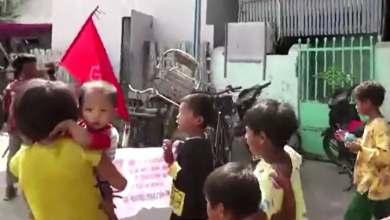 Photo of الأطفال يدخلون ميدان التظاهر ضد انقلاب ميانمار