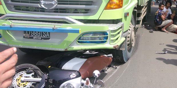 Pengakuan Mengejutkan Tentang Para Sopir Truk… Bikers Waspadalah!