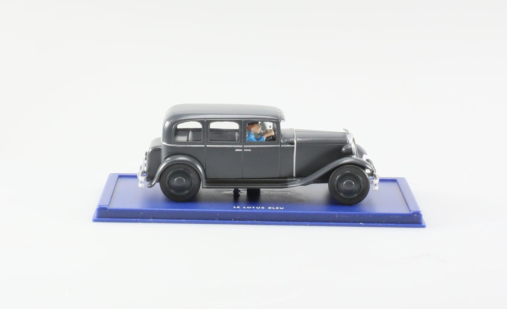 Chrysler Six, La limousine en route vers Nankin, Le lotus bleu, 1931, 1/43