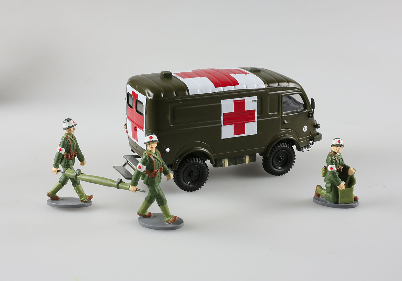 Ensemble soldats + ambulance militaire