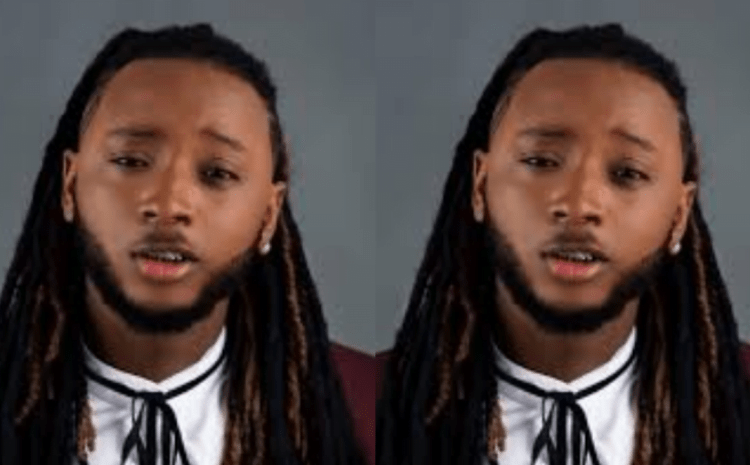 Nigerian Rapper, Yung6ix Discloses Why He Moves Around Lagos With Armed Officers