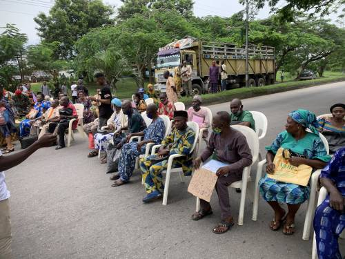 Elderly pensioners block major road in Calabar as they demand for their Unpaid pension