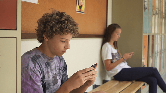 Digital Age Screenchanger - Digital Age and Screenagers Impact on our Children's Life