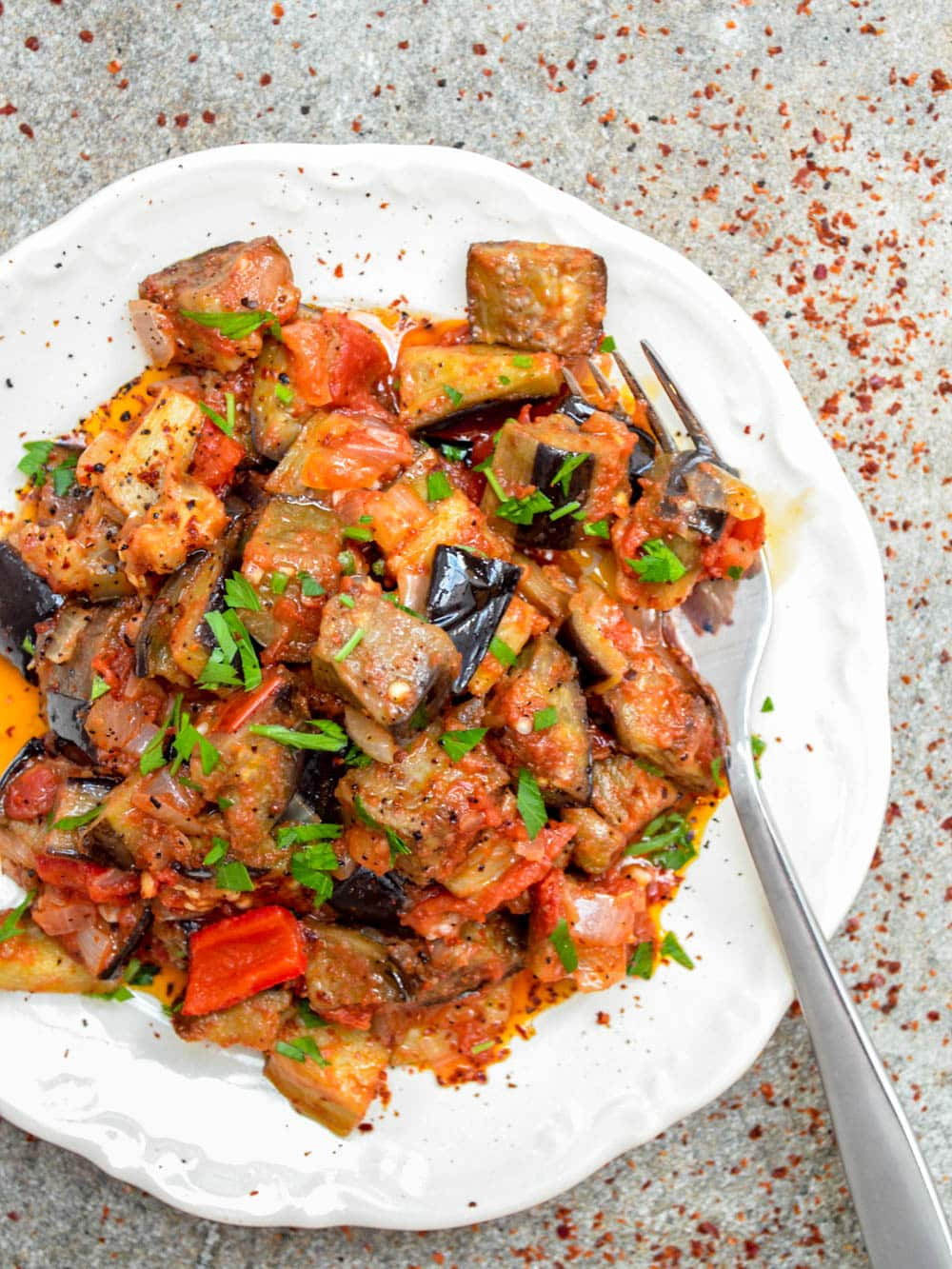 Turkish aubergine in tomato sauce (Soslu patlıcan) - recipe / A kitchen in Istanbul