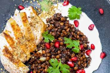 Chicken with Syrian lentils, labneh & za'atar - recipe / A kitchen in Istanbul