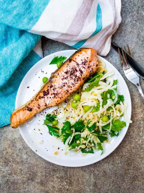 Salmon with fennel and freekeh salad - recipe / A kitchen in Istanbul